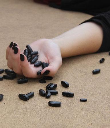 Theaterstück Lebensmüde krank Suizid Selbstmord Lebensphilosophie