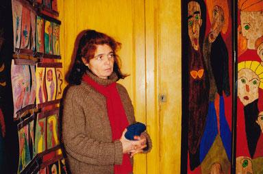 Florence Marie, auteure de cette époustouflante création, au centre de Honfleur