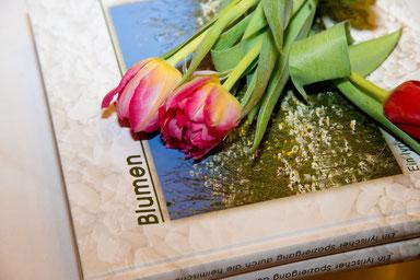 Blumen - ein Buch von Jakob Hiller