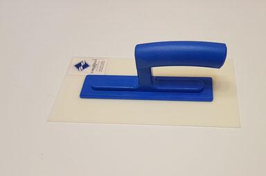 """Glättkelle """"Expert"""", 14cmx28cm mit weichem 2 mm Kunststoffblatt,                           gefaste Kanten.  Preis: 9,50 EUR/ Stk. inkl. Mwst."""