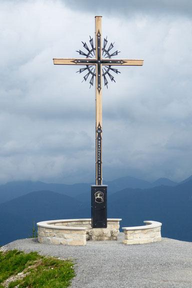 Brauneck, neues Gipfelkreuz, 1555m ,Lenggrieser Wappen