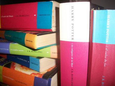 """Els llibres de """"Harry Potter"""" en català. Fotografia pròpia."""