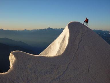 Hochtourenkurse, Spaltenbergung, bekannte Berge und anspruchsvolle Gipfel