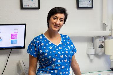 Cristina Balan, praktijkeigenaresse DentalCare Rotterdam
