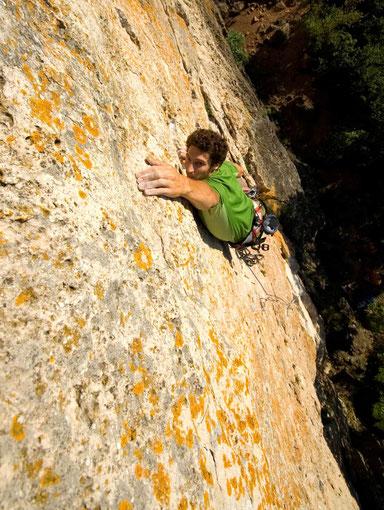 escalade sur la falaise du Caussanel