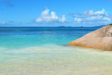5 Things to do in the Seychelles Islands - Beaches on Praslin