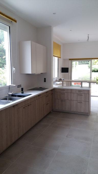 Projet de cuisine à Arcachon par MP intérieurs, Architecte d'intérieur UFDI : vue terminée du linéaire.