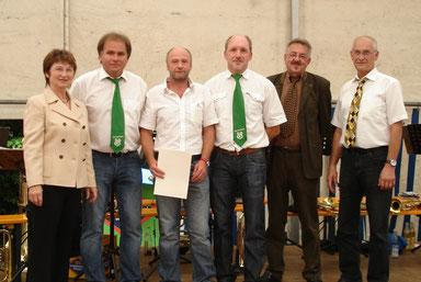 Günther Nagler für seinen langjährigen Einsatz als Abteilungsleiter Fußball geehrt!