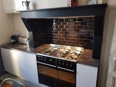cuisine intérieur design  toulouse carreaux de métro piano noir laque mat blanche plan de trail dekton