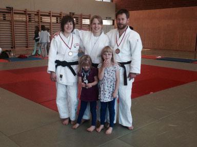 Bild von 2014 an der Regionalen Meisterschaft, das Kind rechts vorne begann mit Judo