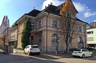 MFH Spitzengeerstrasse 1, 3, 5, 8606 Nänikon. Äussere Malerarbeiten, Fassadensanierung