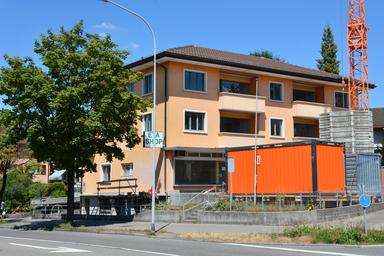 MFH Im Gatter 8, Benglen. Äussere Malerarbeiten, Fassadenrenovation