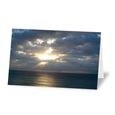 Trauerkarte Horizont am Meer, Sonne strahlt durch wolkigen Himmel