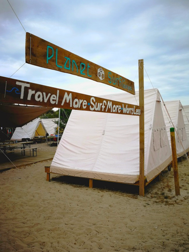 Planet Surfcamps. Travel More - Surf More - Worry Less. Freizeit in Frankreich - Le Pin Sec.