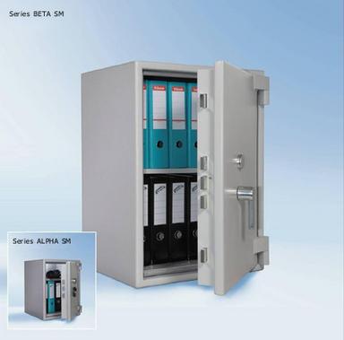 Wertschutzschränke STARPRIM 1 von Primat: Modell 1055/N und Modell 1095/N, presented by Egger Tresore Safes