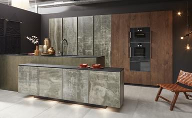 cuisine intérieur design toulouse ilot central cuisine grise effet béton ciment et bois