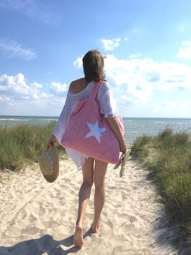 BYRH Strandtasche aus Frottee - Beach Bag - Rosé am Strand