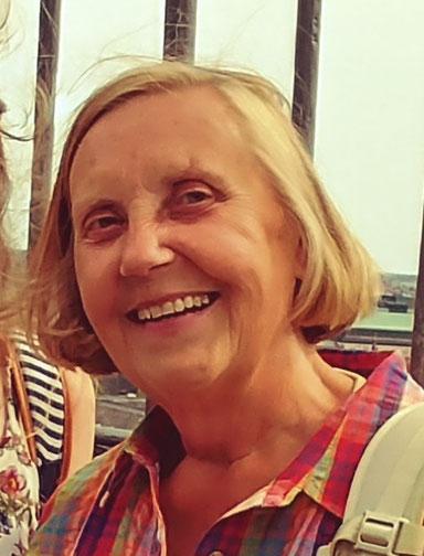 Marlies Höhne er præst, men har været pensionist 12 år. Hun elsker at lave musik, at cykle, danske øer og at møde mennesker. Marlies var på min dansk-workshop i 2019 og deltager igen i år – forhåbentlig!