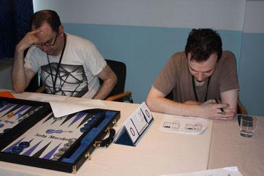 Das Quiz: Rauchende Köpfe -‐ Mark Calderbank (re) und Andy Marshall (li)