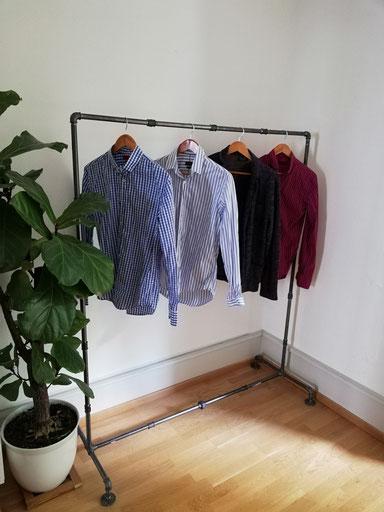 Industrie Kleiderständer aus Rohren Boutique Modeshow Modeschau Kleiderstange Vintage Eisen zum Vermieten Mieten