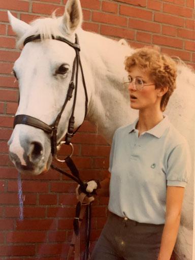 Babette mit Lieblingspferd Ramadan