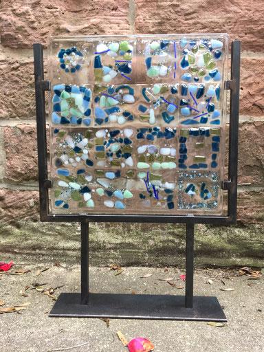 Gartenstele frostfest- fused glass sculpture, table stand display, Geschenk Hochzeit