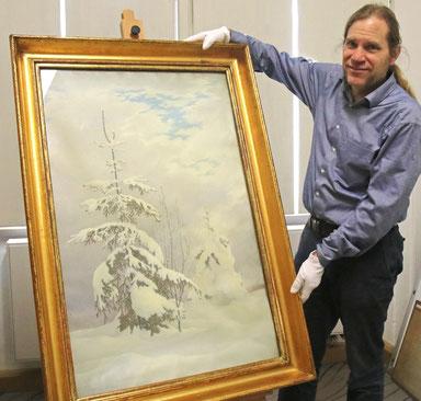 Dr. Peter Knüvener, Leiter der Städtischen Musseen Zittau am angekauften Gemälde