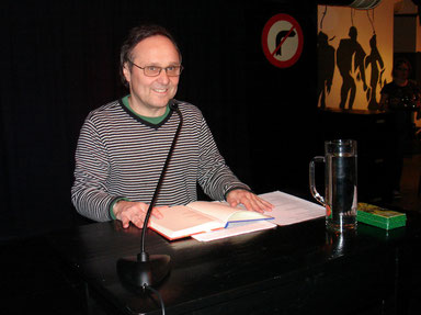 Foto: Jakob Preiss  -   Lesung aus ´Leidenschaft´KunstinKeller (KIK) in Ried 22.Februar 2011