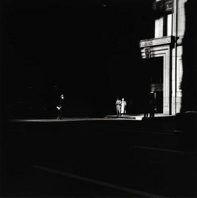 ꧁ ©Ray K Metzker, Chicago Loop, 1958 ꧂