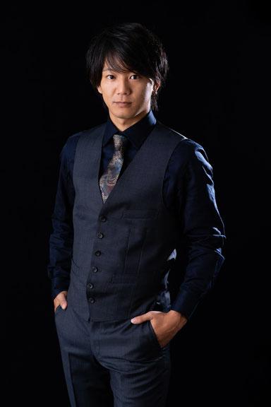 山崎 賢一 Profile