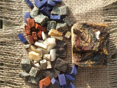 Les tesselles de mosaïque de l'Atelier de Mosaïque et Nature en Baie de Somme