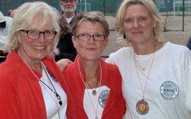 v.l.: Landesmeisterinnen 2014 Benita D., Iris R, und Martina A.