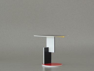 End Table für das Schröder Haus in Utrrecht, selbstbau mit Zapfenverbindungen und Farben von de Stijl
