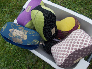 Lese- und Entspannungspolster, gefüllt mit Schafwolle/Hanf kbA. & kbT.