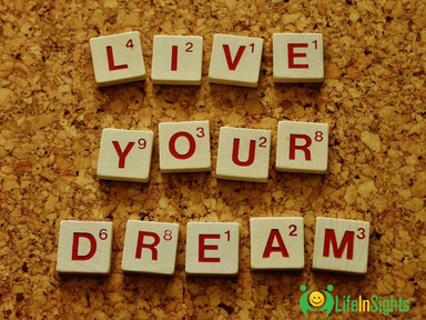 How life coaching can live your dream scrabble tiles on a cork noticeboard