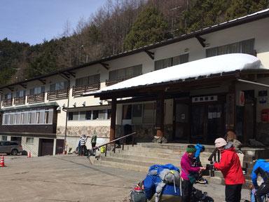登山口にある渋の湯旅館