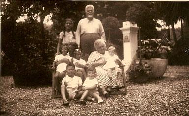 Gentile con moglie e nipoti a Forte dei Marmi