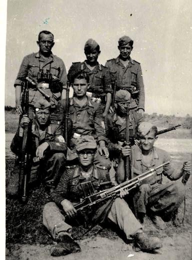 """Adolf Faltin, stehend links, """"... im Einsatz gegen Partisanen in Kroatien"""""""