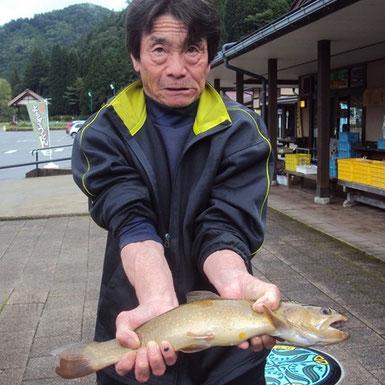飛騨あさひ年間釣りグランプリ イワナの部渓流王橋本昭夫様