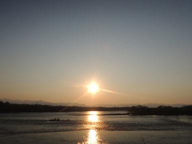 北上川・山々の稜線・夕陽。帰り際も最高でした。