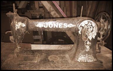 Jones   63.928  BOOT CLOSING MACHINE