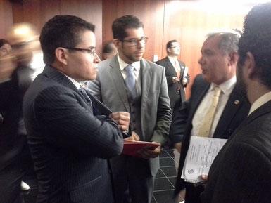 Con el Senador por el PT Marco A. Blasquez, hablando de la iniciativa para acabar con las UDIS