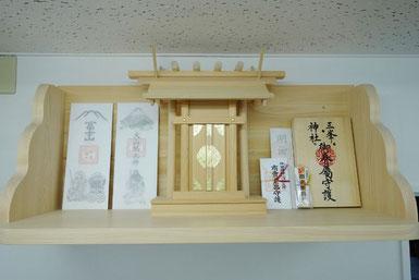 一社神明(唐戸タイプ) 檜棚板(60cm x 30cm)