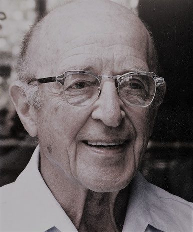 Hier ist Portrait von Carl R. Rogers dem Begründer der klienten- und personzentrierten Psychotherapie.