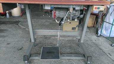 JUKI DDL-505本縫い自動糸切り工業用ミシン モーター脚膝上げ付近