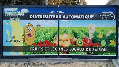 Distributeur automatique SARL des Estuaires produits locaux produits de saison Saint Romain de Benêt 17 producteur fruits légumes machine à pain Charente Maritime Emmaüs.