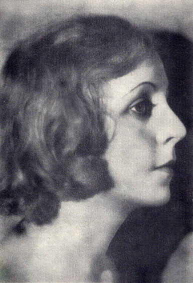 Malcolm's 2nd wife ; Mona De Vere  ( b. 29th May 1904 - d. Jan.31st 1954 )
