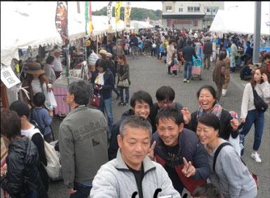 これは昨日のKIMHRパイセンの写真。江口漁港にこんなに人が!!