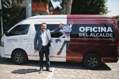 """Presenta Toño Villalobos la """"Oficina Móvil del Alcalde"""""""