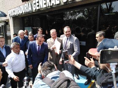 Denuncia Cuauhtémoc Blanco ante SEIDO a Graco Ramírez